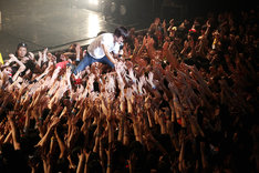 「TOWER RECORDS presents FIST BUMP vol.1 氣志團 × キュウソネコカミ ~校舎のウラで一触即発!?~」の様子。 (Photo by Viola Kam [V'z Twinkle Photography])