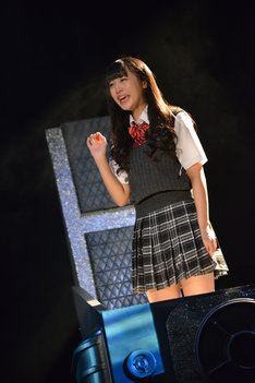 15歳の少女・長峰美加子を演じる根岸愛(PASSPO☆)。