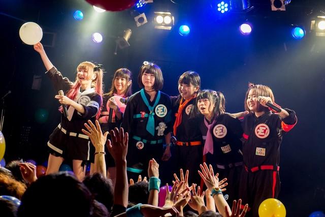大阪・難波ROCKETS公演でのゆるめるモ!(撮影:井上嘉和)
