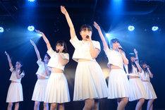 アイドルネッサンス「アキバで1周年を感謝するネッサンス!!」の様子。
