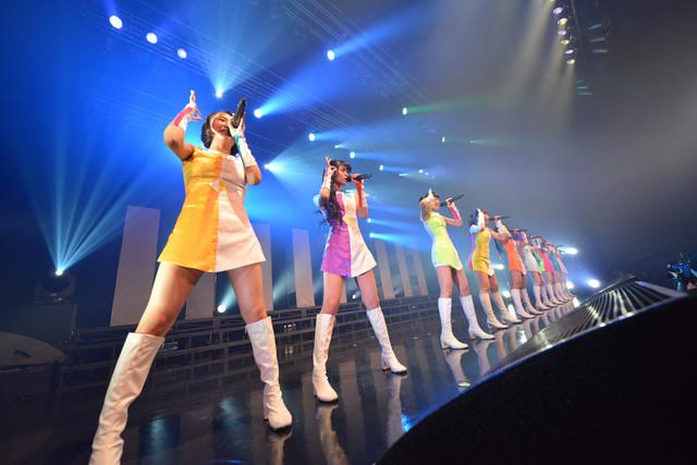 """「東京パフォーマンスドール ZEPP TOUR 2015春 ~DANCE SUMMIT """"1×0""""ver3.0~」東京・Zepp DiverCity TOKYOで行われたツアーファイナルの様子。"""