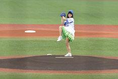 バランスのよいセットアップモーションを見せるNao☆投手。