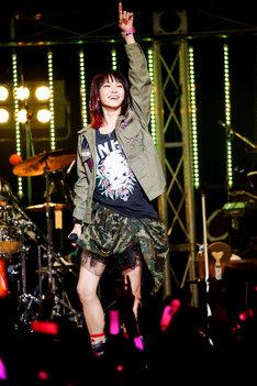 LiSA「LiVE is Smile Always~Launcher~」Zepp Tokyo公演の様子。(Photo by hajime kamiiisaka)