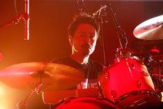 KOUICHI(Dr, Cho)(Photo by Tetsuya Yamakawa[showcase])