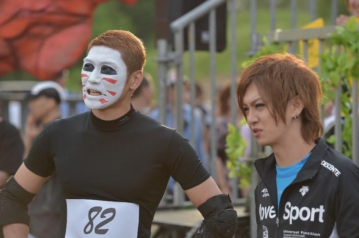 写真左より、3回目の出場となる樽美酒研二と初出場の喜矢武豊(ゴールデンボンバー)。 (c)TBS