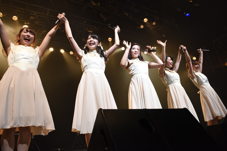 「STARMARIE ASIA TOUR 2015 ~FANTASTIC~ powered by e-earphone」東京・TSUTAYA O-EAST公演の様子。