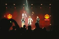 7月4日(現地時間)にフランス・パリにて実施された「Japan Expo」でのYOSHIKI(Dr, Piano / X JAPAN)。(写真提供:株式会社ジャパンミュージックエージェンシー)