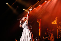 「MISIA 星空のライヴVIII MOON JOURNEY」東京国際フォーラム ホールA公演の様子。 (撮影:田中雅也)