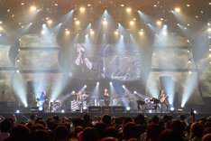 GLAY「GLAY Special Live 2015 in HAKODATE GLORIOUS MILLION DOLLAR NIGHT Vol.2」2日目の公演の様子。(撮影:岡田裕介)