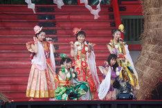 「桃神祭2015~遠州大騒儀~」の様子。(Photo by HAJIME KAMIIISAKA+Z)