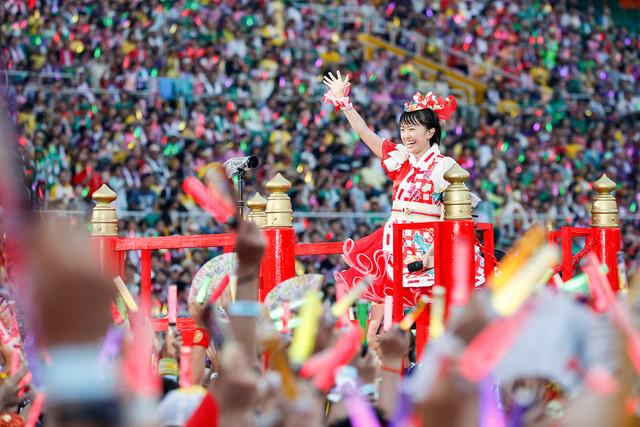 百田夏菜子(ももいろクローバーZ)(Photo by HAJIME KAMIIISAKA+Z)