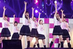 乃木坂46「真夏の全国ツアー2015」東京・明治神宮野球場での8月31日公演のアンコールの様子。(写真提供:ソニー・ミュージックレコーズ)