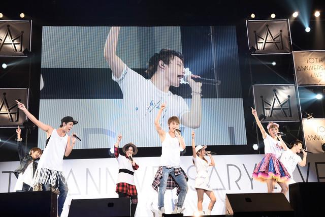 「AAA 10th Anniversary Live」の様子。 (写真提供:エイベックス・ミュージック・クリエイティヴ)