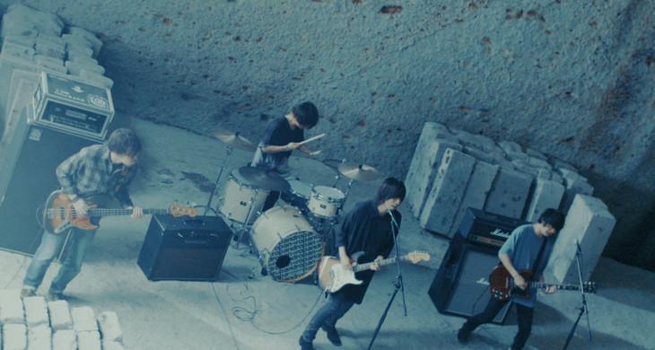 「Dreamer」ミュージックビデオのワンシーン。