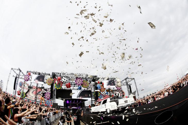 「L'Arc-en-Ciel LIVE 2015 L'ArCASINO」9月21日公演の模様。