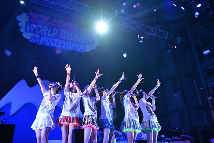 「でんぱ組.inc WORLD TOUR 2015 in FUJIYAMA」2日目の様子。
