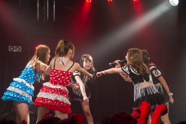 「しず風&絆~KIZUNA~ THE LAST LIVE @TOKYO ~偽りのさ・よ・な・ら~」の様子。