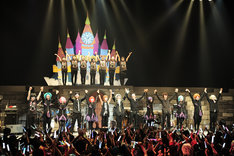 「UNDER THE LIVE 2015 -UNDERBAR LAND-」東京・TOKYO DOME CITY HALL公演の様子。(提供:EXIT TUNES)