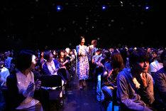 畠山美由紀「THANKS! 30th ANNIVERSARY Fm yokohama 84.7 & 『Travelin' Light』も3周年!大感謝祭ライブ▽」の様子。(撮影:石川拓也)