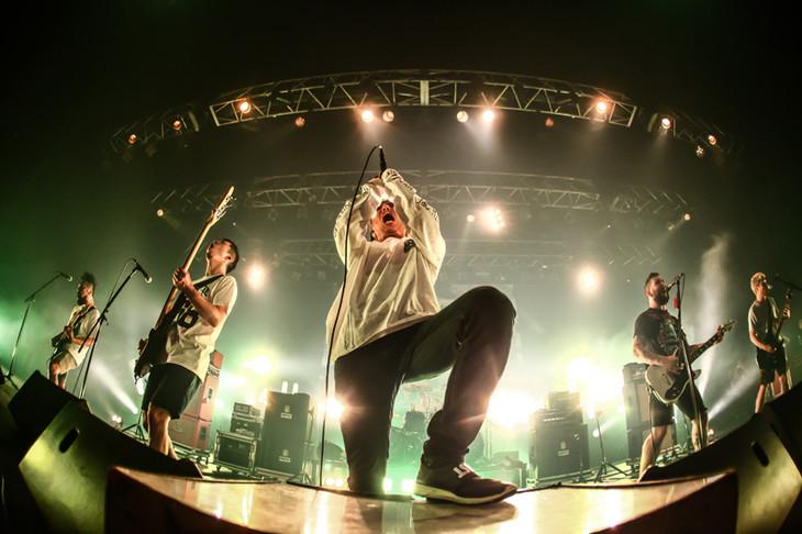 "「FACT ""KTHEAT"" JAPAN TOUR 2015」の東京・TOKYO DOME CITY HALL公演の様子。(Photo by SHINGO TAMAI)"