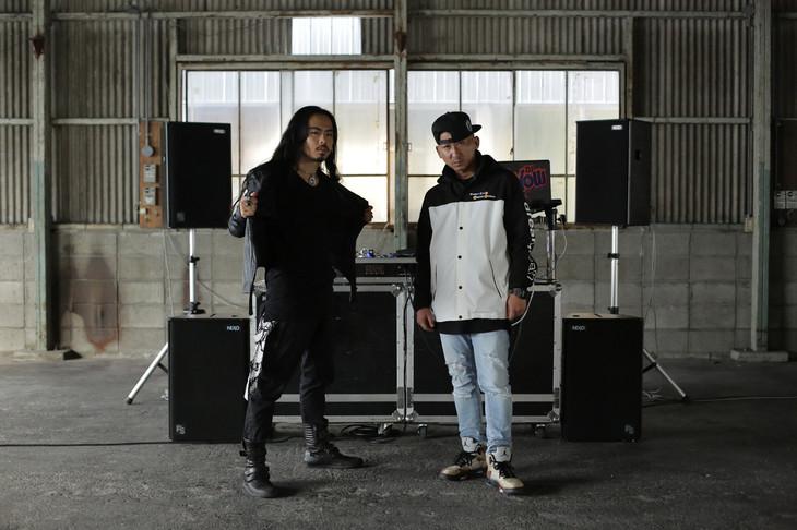 左からKENTO MORI、DJ RYOW。