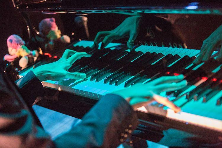 「marasy piano live 2015」東京・めぐろパーシモンホール 大ホール公演の様子。(撮影:石阪大輔) [画像ギャラリー 7/13] - 音楽ナタリー