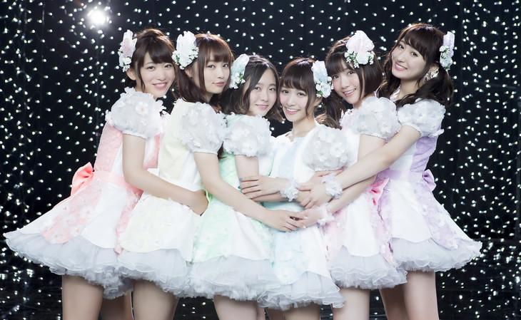 palet。左から3番目が中野佑美、4番目が武田紗季。