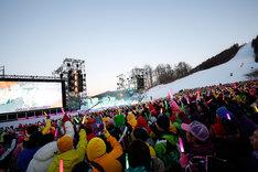 ももいろクローバーZ「ももいろクリスマス2015 ~Beautiful Survivors~」12月25日公演の様子。(Photo by HAJIME KAMIIISAKA+Z)