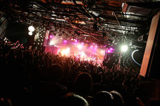 Base Ball Bear「LIVE IN LIVE vol.2~C to C2~」東京・渋谷CLUB QUATTRO公演の様子。(Photo by Viola Kam [V'z Twinkle])