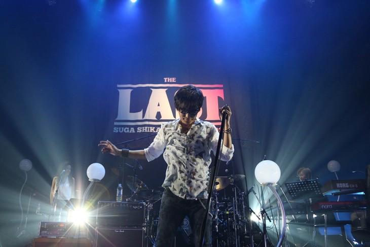 スガシカオ「SUGA SHIKAO LIVE TOUR 2015 『THE LAST』」12月25日の東京・Zepp DiverCity TOKYO公演の様子。(撮影:中河原理英)