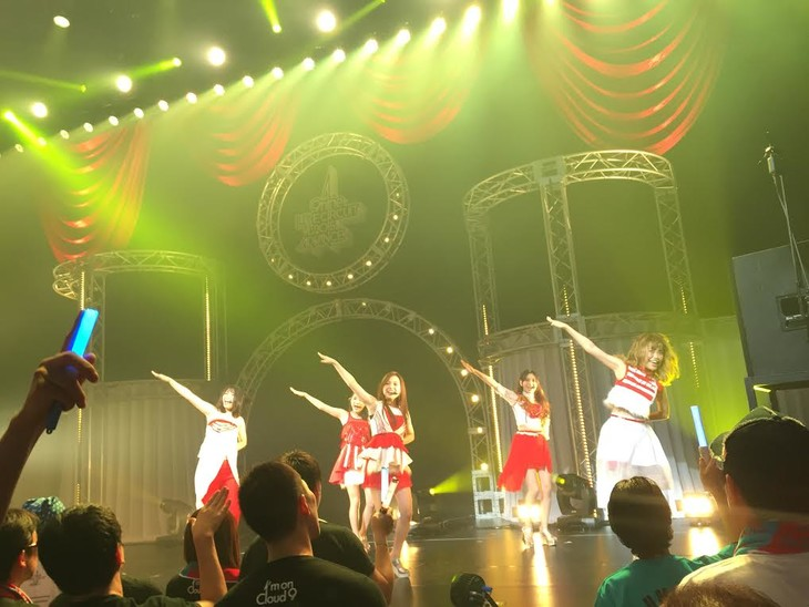 「9nine LIVE CIRCUIT 2015 ADVANCE」大阪・サンケイホールブリーゼ公演の様子。(提供:レプロエンタテインメント)