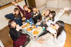 干支の猿にちなんでサルサソースをタコスにかけて食べるPASSPO☆。