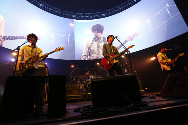 夜の本気ダンス(写真提供:rockin'on japan)