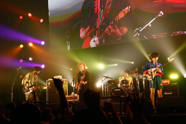 ドラマチックアラスカ(写真提供:rockin'on japan)