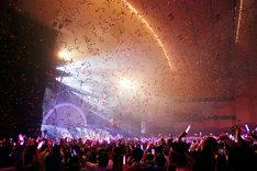 ゆいかおり「RAINBOW CANARY!!」神奈川・パシフィコ横浜 国立大ホール公演の様子。(写真提供:キングレコード)