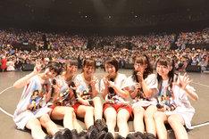 「フェアリーズ LIVE TOUR 2015 -PUZZLE-」千葉・舞浜アンフィシアター公演の様子。