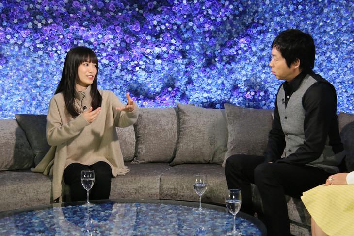 左からmiwa、今田耕司。(c)日本テレビ