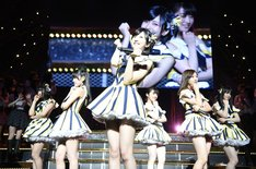 「AKB48グループリクエストアワー セットリストベスト100 2016」1月22日の公演の様子。(c)AKS