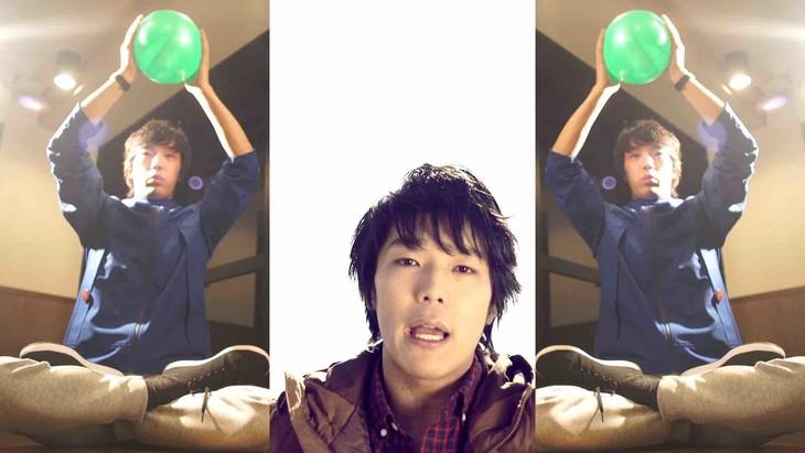 金木和也「ダンシャリーナ」ミュージックビデオのワン―シーン。