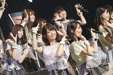 乃木坂46によるライブの様子。(写真提供:ロッテPR事務局)