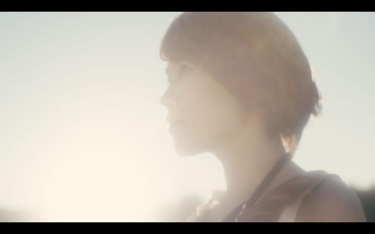 丸本莉子「フシギな夢」ミュージックビデオのワンシーン。
