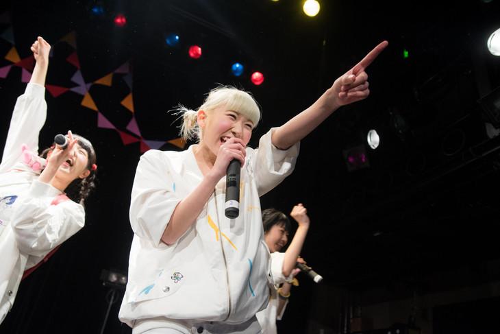 星なゆた。1月29日に東京・WWWで開催された初のワンマンライブ「あヴぁんだんど1stワンマン~ピクニック at nerd park~」の様子。(撮影:稲垣謙一)