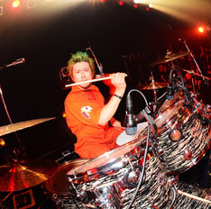 ANDREW(FUCK YOU HEROES、BBQ CHICKENS、FULLSCRATCH、RISE)