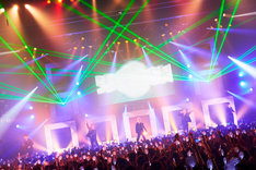Da-iCE「Da-iCE Live House Tour 2015-2016 -PHASE 4 HELLO-」東京・豊洲PIT公演の様子。