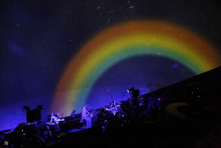 WEAVER「Rainbow Lounge」の様子。(撮影:増田慶)