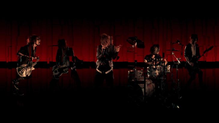 vistlip「CONTRAST」ミュージックビデオのワンシーン。