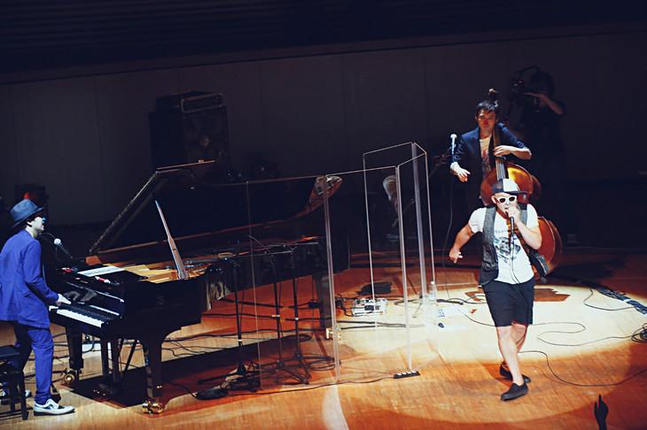 2015年6月に行われた「H ZETTRIO LIVE LUXURY ~素晴らしきアンサンブルの夕べ~」神奈川・ミューザ川崎シンフォニーホール公演の様子。(撮影:斉藤大嗣)