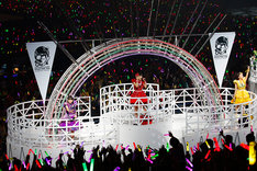"「MOMOIRO CLOVER Z DOME TREK 2016""AMARANTHUS / 白金の夜明け""」2月21日の名古屋ドーム公演の様子。(Photo by HAJIME KAMIIISAKA)"