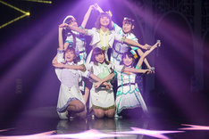 「恋☆カナ」でコラボレーションするi☆RisとWake Up, Girls!。