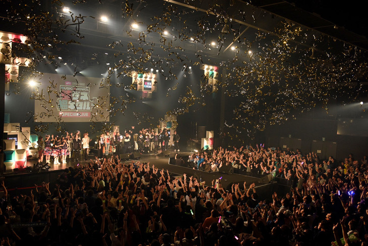 「uP!!! presents MUSIC SHOWER チュートリアルの徳ダネ福キタル♪ SPECIAL LIVE Vol.2」アンコールの様子。(撮影:釘野孝宏)